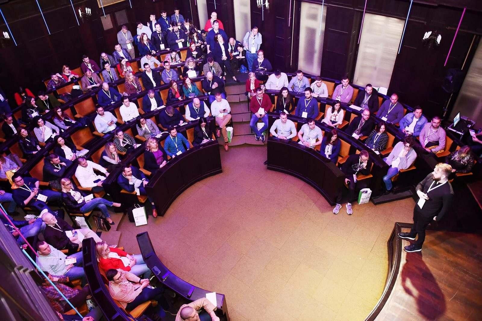 keynote speaker at Konverzija digital marketing conference